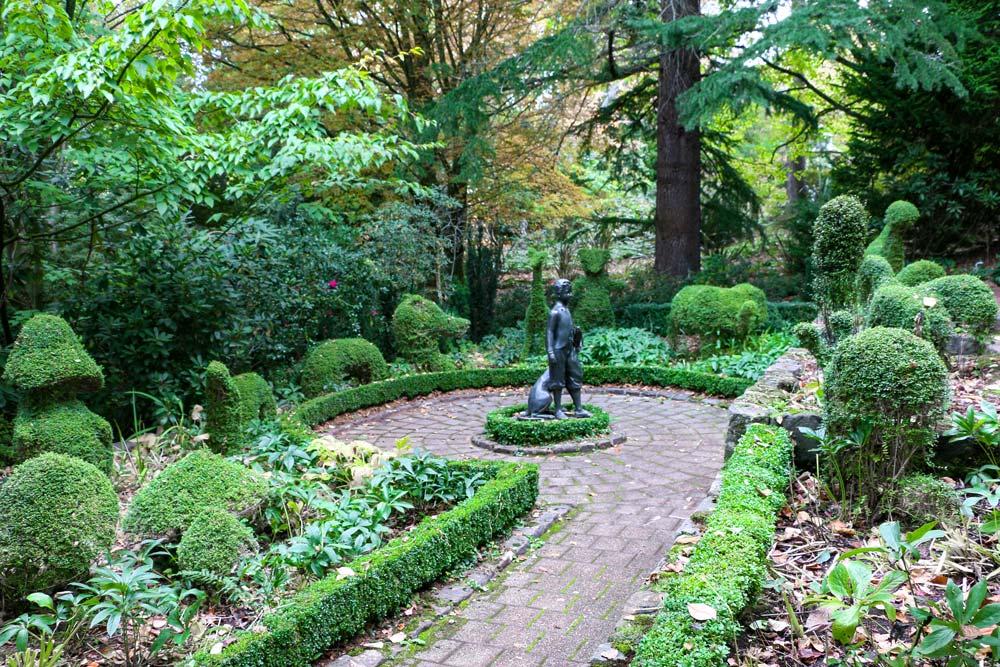 1551-topiary-garden-with-boy2-wf2.jpg