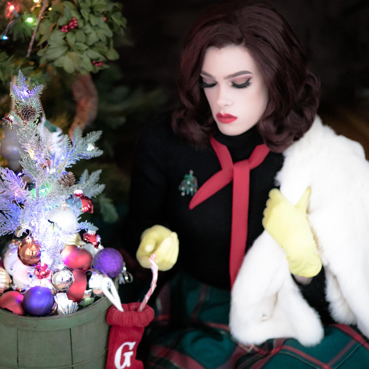 Yellow Gloves_Happy Holidays?.jpg