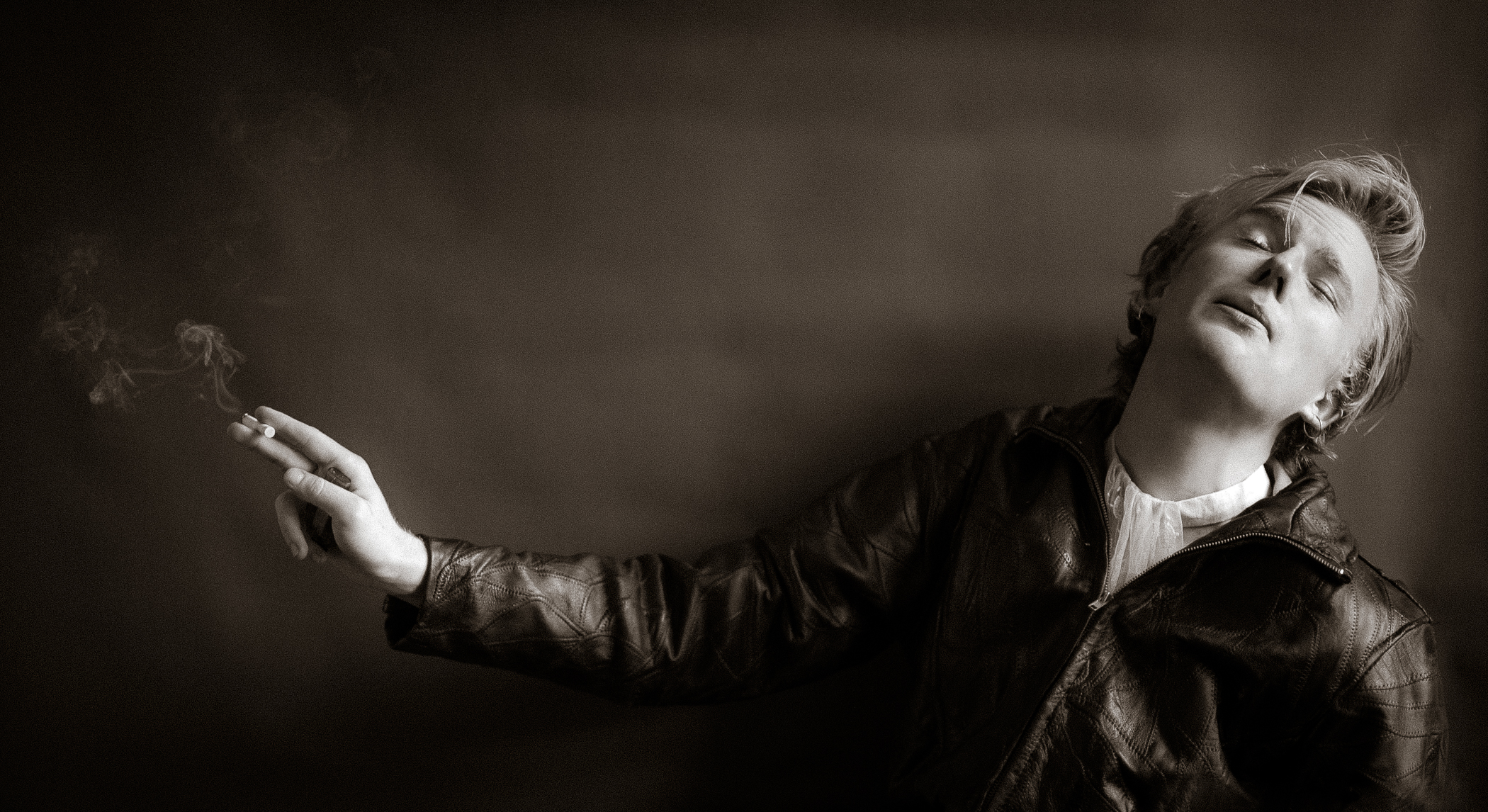 Kurt smoking.jpg