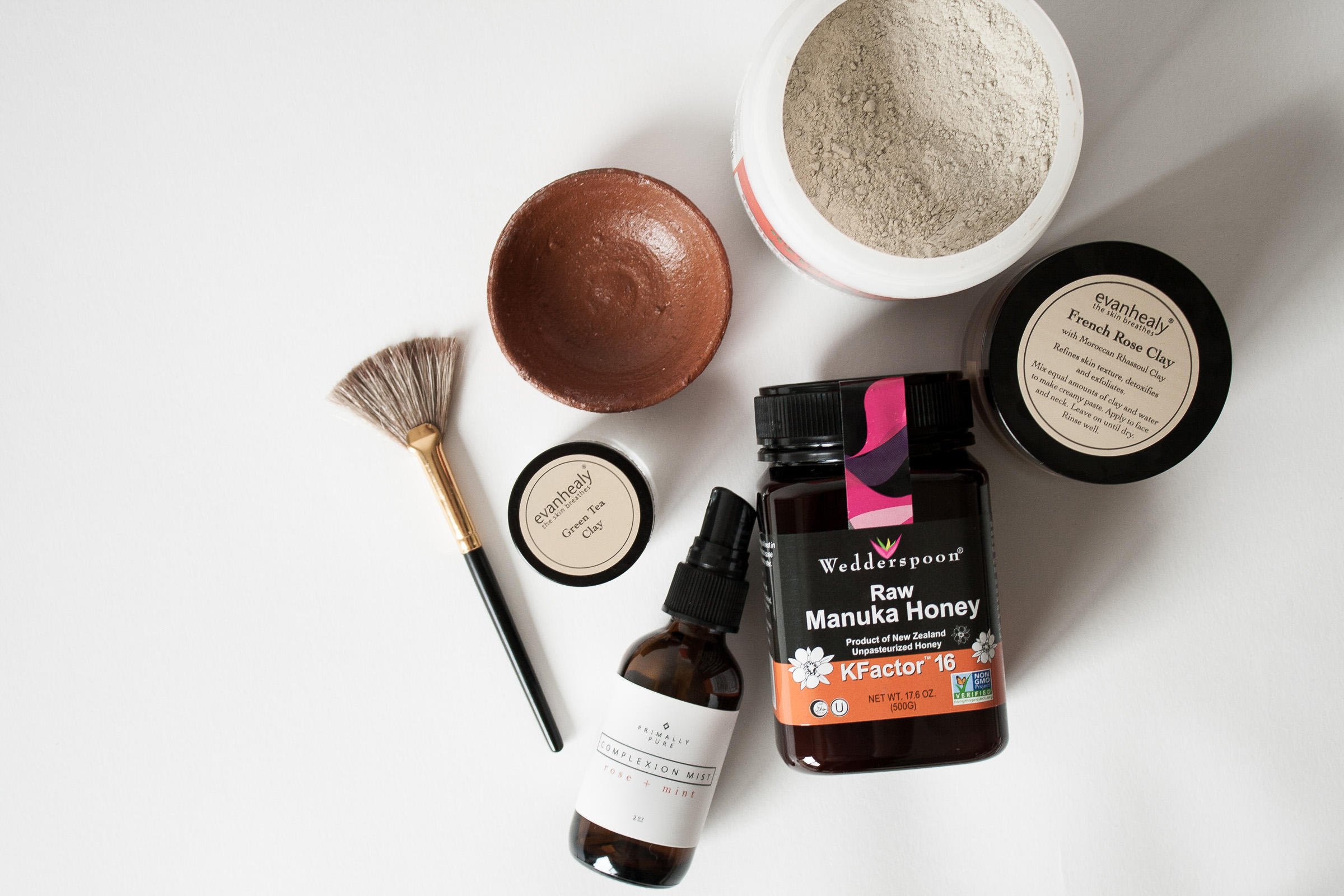 Natural organic masks that are nourishing, non-toxic and easy to use! These green beauty favorites the are perfect self-care DIY treatment for your body.
