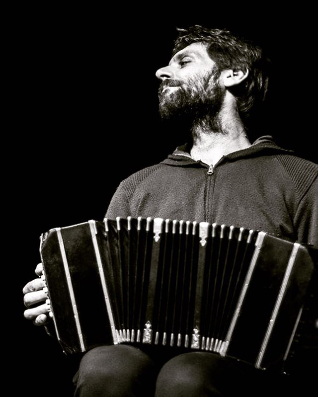 On May 30th at 7:00 pm, at El Taller, Martin Sued, Argentinian bandoneonist and composer, will present his repertoire of compositions for bandoneon solo, in which he expresses his free and personal approach to argentinian music. Vitor Gonçalvez (piano, accordion) and Federico Díaz (Guitar) will also play as special guests during this wonderfully unique performance.  Admission $15  #musicaenvivo #livemusic #conciertos #concerts #musicaargentina #bandoneon