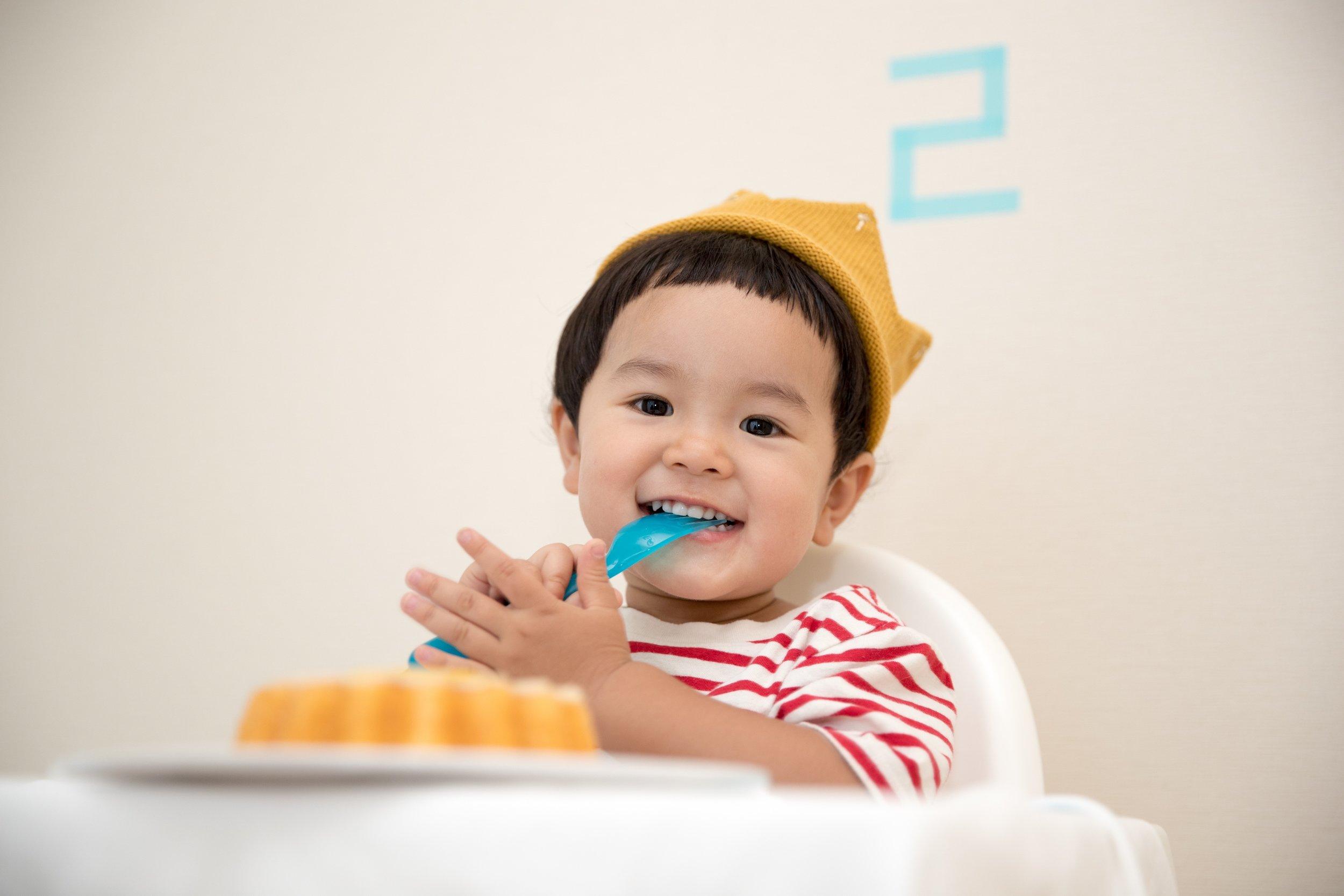 kids eating .jpg