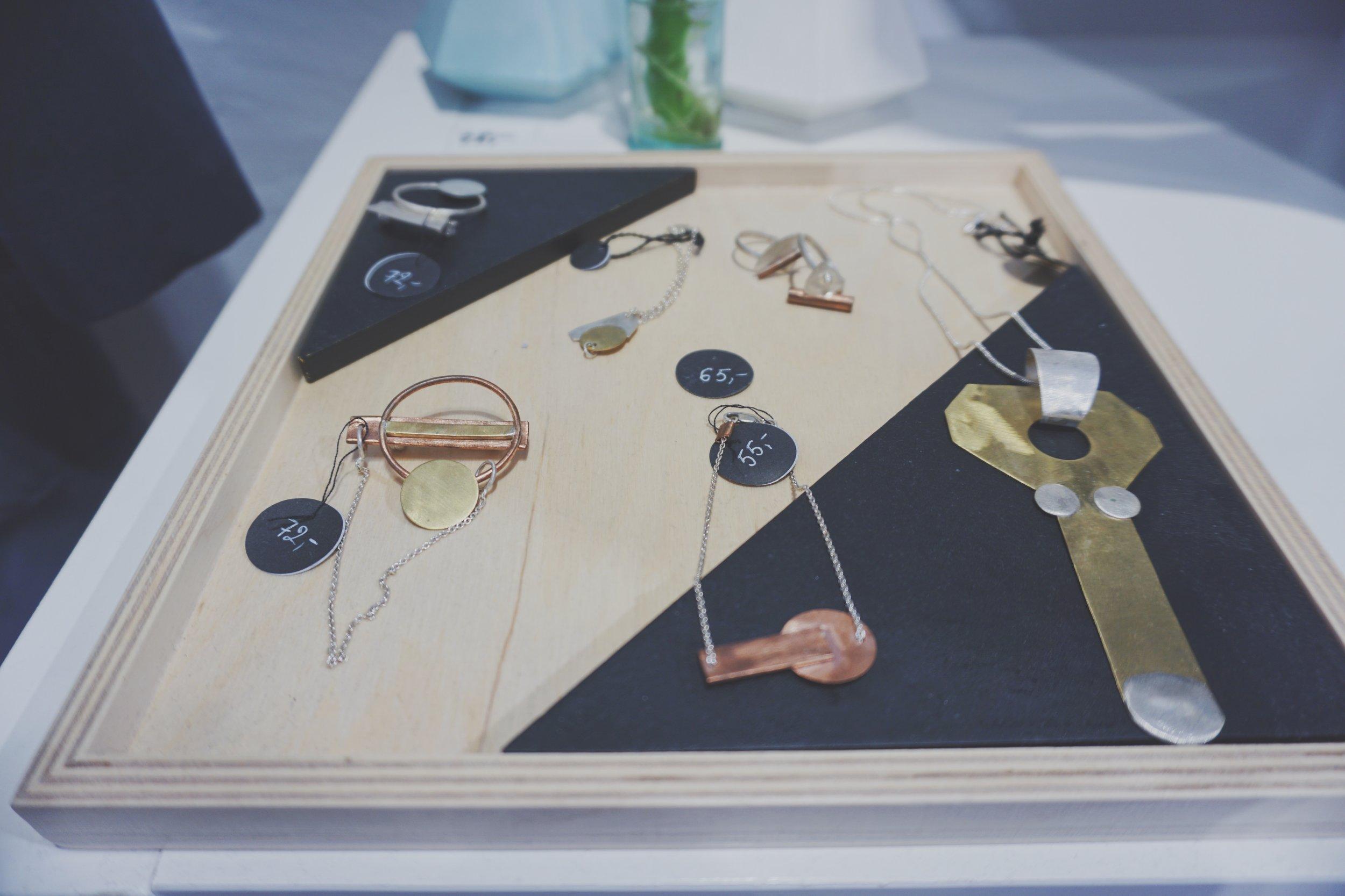IAAI - Contemporary Jewelry Designs