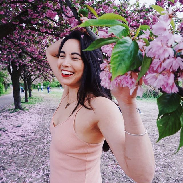 Mood 😄🌸 #Berlin . 📸: @carlinka