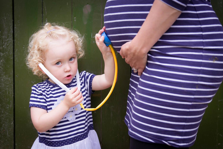 yorkshire-baby-bump-maternity-photoshoot-photographer-roundhay-leeds