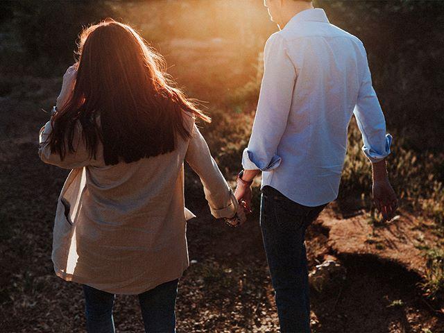 Sesión preboda al atardecer de Celia & Andrés en el Torcal de Antequera. . . . . . #belovedstories #junebugweddings #bodasmalaga #bodas2018 #weddingphotographer #weddings #instawedding #weddingplanner #elopmentphotographer #malaga #weddings #lookslikefilm #boho #bodas #weddingplannermalaga #weddingphotographermalaga #malagaweddings #fotografodebodas #fotografodebodasmalaga #fotografodebodasmarbella