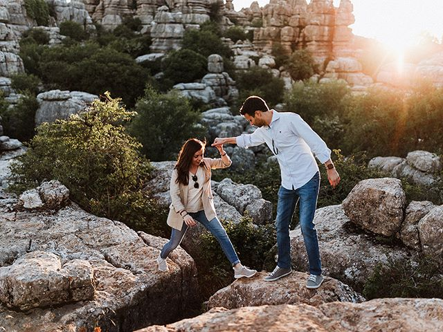 Sesión de preboda en las espectaculares formaciones rocosas del Torcal de Antequera. Hay muchos parajes pintorescos en Andalucía, pero El Torcal es posiblemente el que mayor potencia visual transmite al visitante. - Prewedding photo shooting in the spectacular landscape of El Torcal de Antequera. There are many amazing natural scenaries in Andalucia but El Torcal is possibly the most visual chocking experience one can feel when visiting. . . . . . #yourockphotographers #weddingphotoinspiration #greenweddingshoes #wedphotoinspiration #photobugcommunity #weddingchicks #wanderingweddings #bhldn #brides #dirtybootsandmessyhair #weddingplannercadiz #fotografodebodascadiz #cadizweddings #andalucia #cadiz #weddingphotographerandalucia #wedphotomag