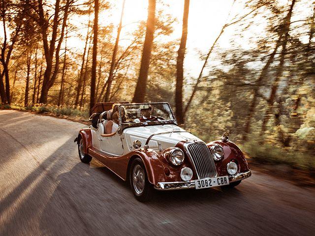 A classic car heading for the wedding venue. . . . . . #yourockphotographers #weddingphotoinspiration #greenweddingshoes #wedphotoinspiration #photobugcommunity #weddingchicks #wanderingweddings #bhldn #brides #dirtybootsandmessyhair #weddingplannercadiz #fotografodebodascadiz #cadizweddings #andalucia #cadiz #weddingphotographerandalucia #wedphotomag #vintagecars #classiccar #styleinspiration #carpassion