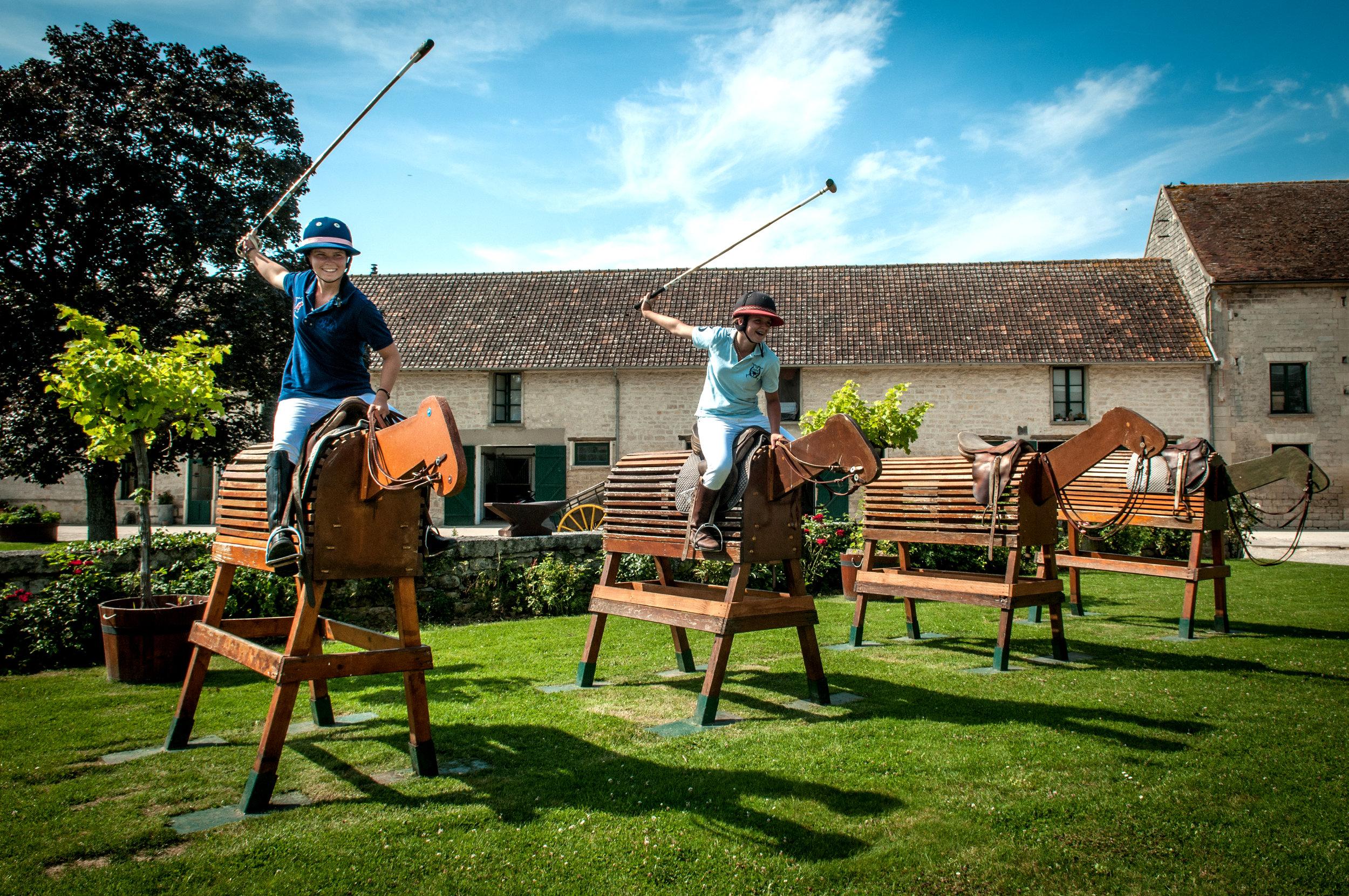 Polo club du Domaine de Chantilly wooden horse.jpg