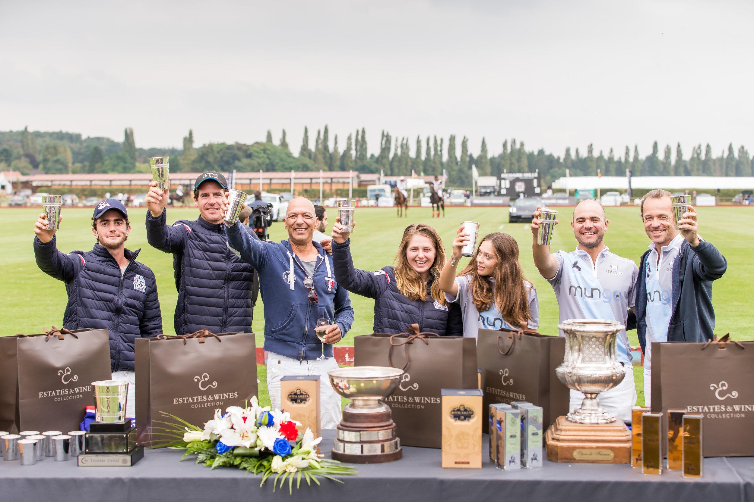Remise de prix au Polo Club du Domaine de Chantilly  Prize-giving ceremony at Chantilly Polo Club
