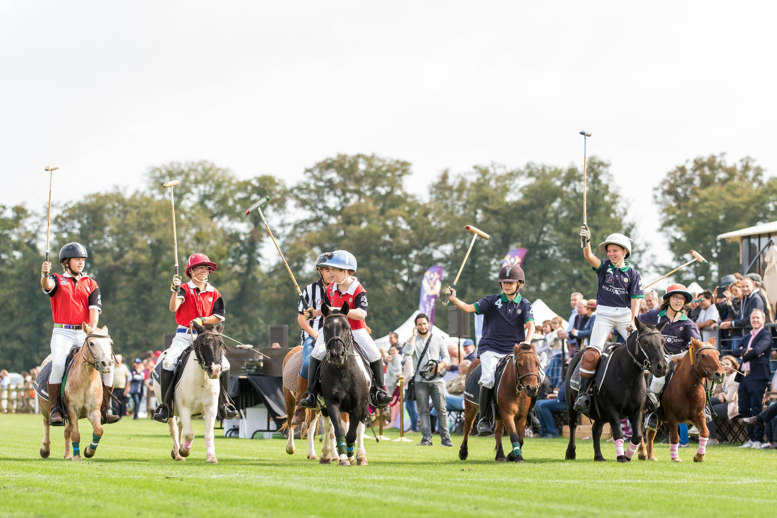 Match de poney polo au Polo Club du Domain de Chantilly  Kids polo game at Chantilly Polo Club