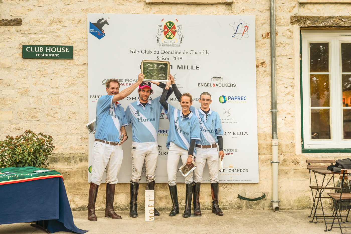 Congratulations to Horus the wining team of The Trophée du Bois du Lieutenant with Mario Sander and Naomi Schröder two German players playing with Simon Zavaleta and Francisco Aguerre from Argentina 🇦🇷 MVP Simon ZAVALETA