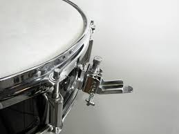 Snare drum strainer (throw off)