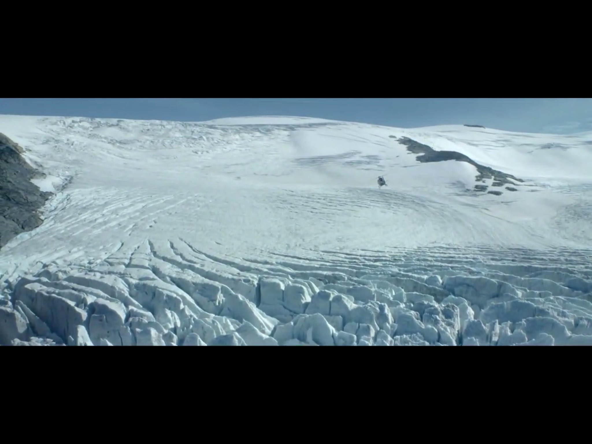 ex-machina-movie-screenshot-1.JPG
