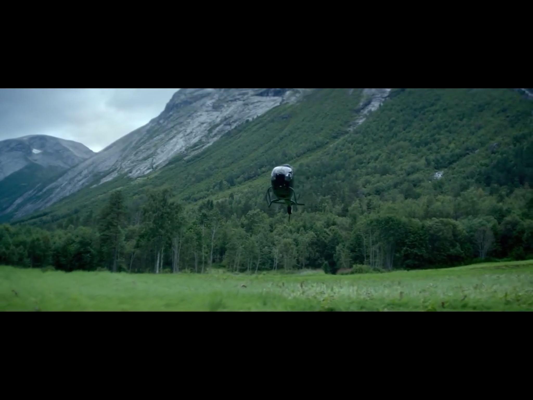 ex-machina-movie-screenshot-3.JPG