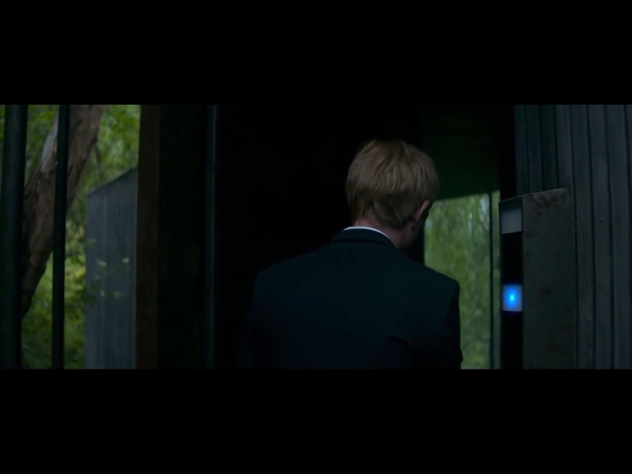 ex-machina-movie-screenshot-5.JPG