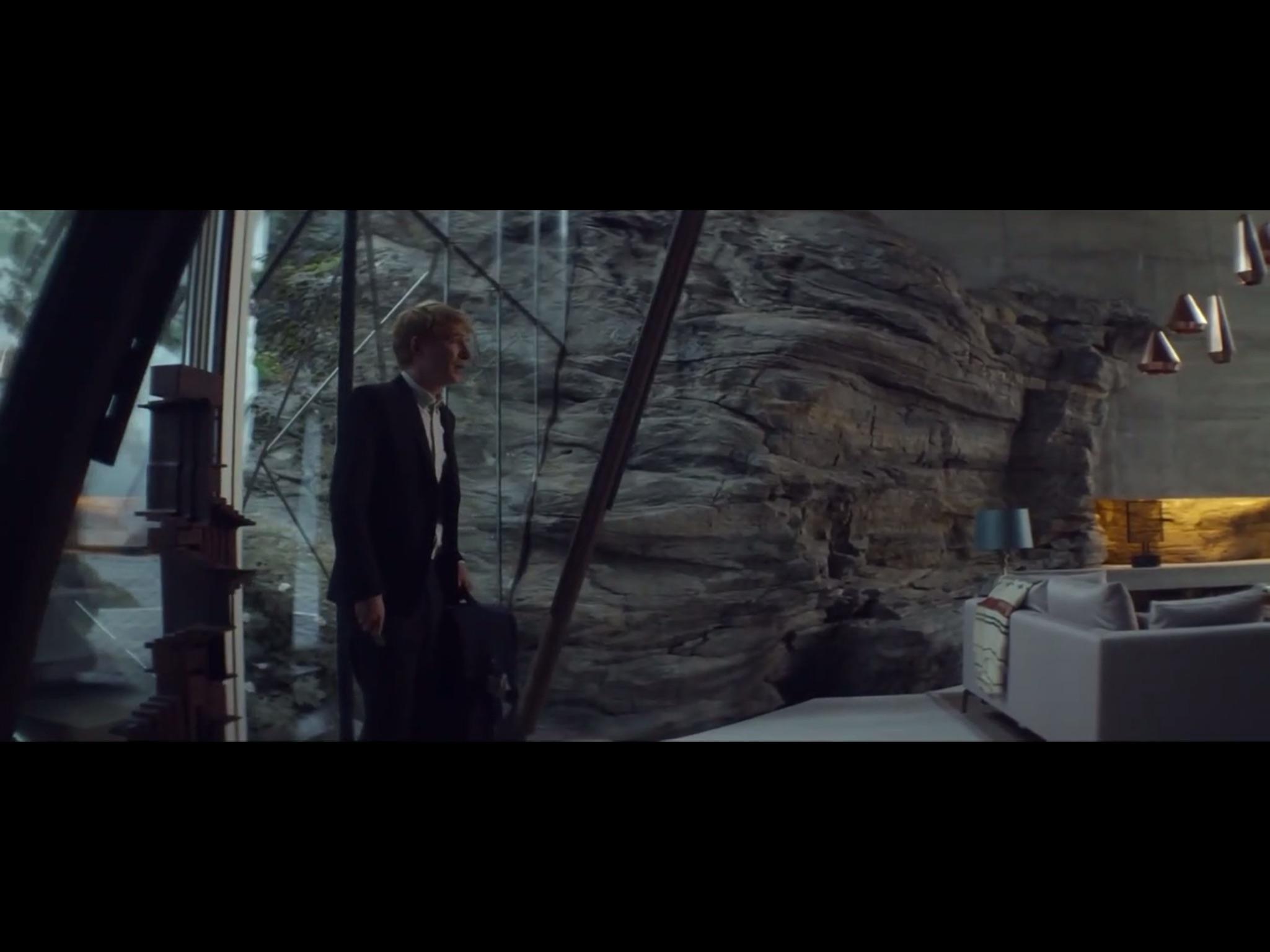 ex-machina-movie-screenshot-6.JPG