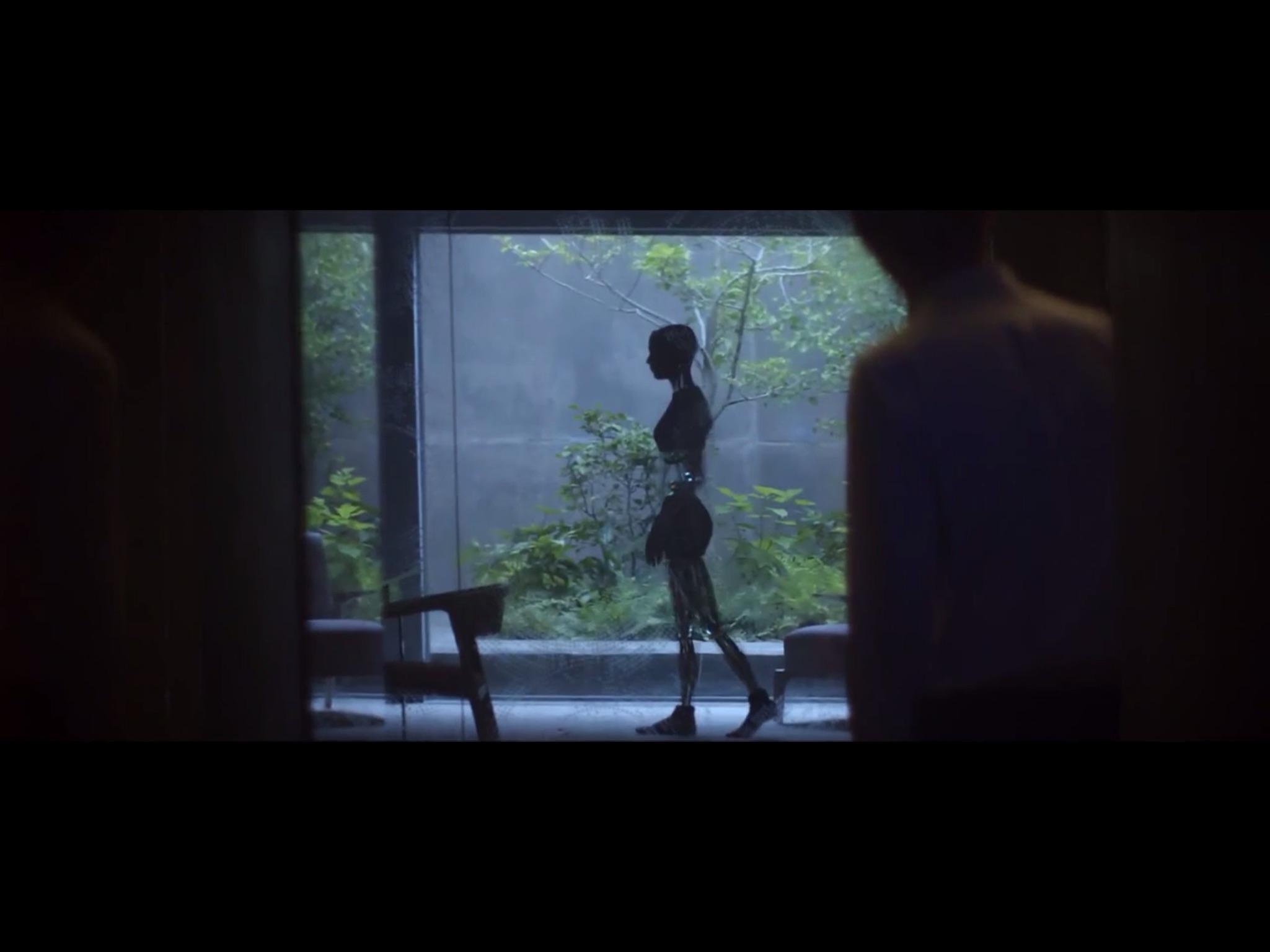 ex-machina-movie-screenshot-9.JPG