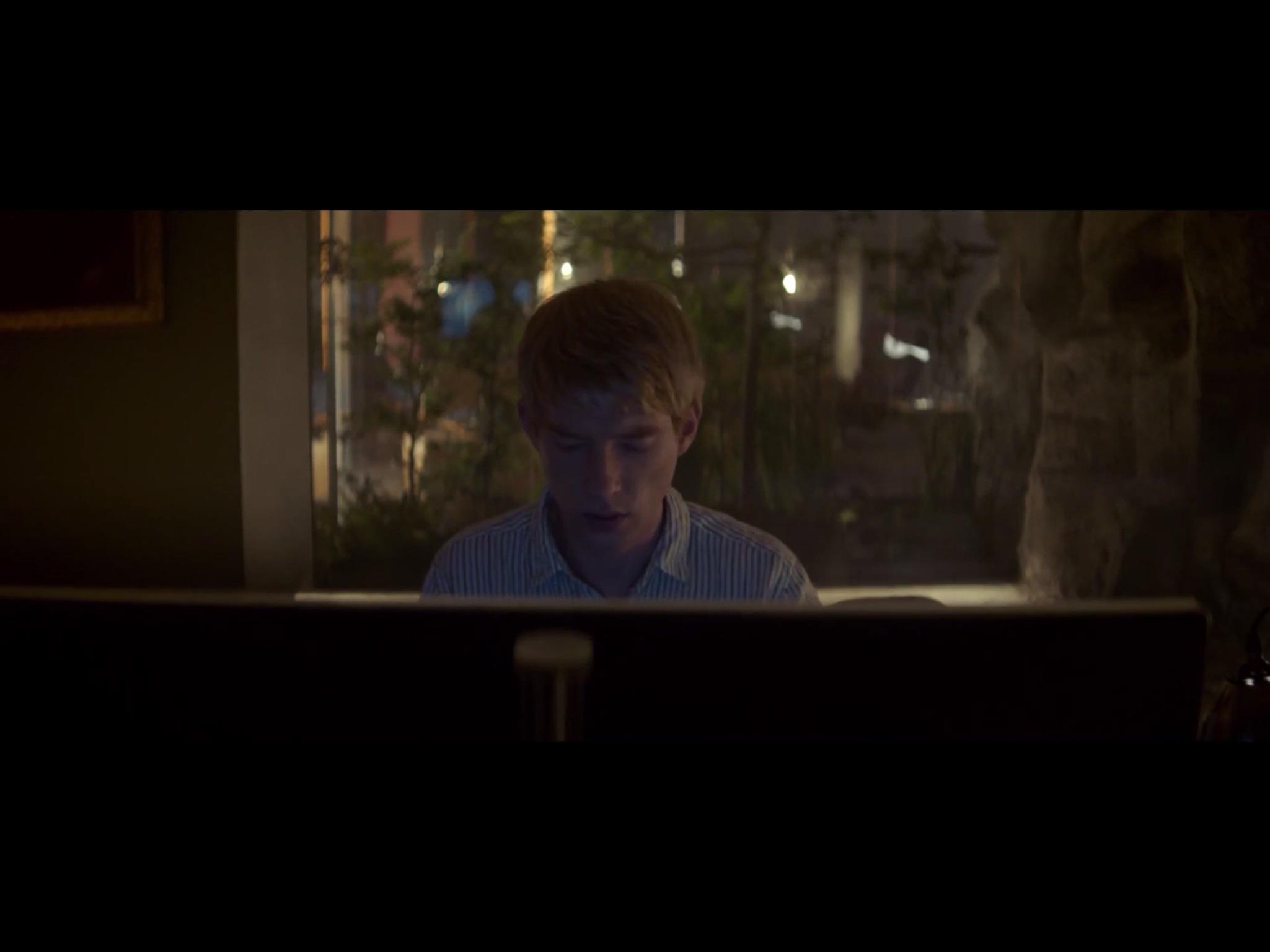 ex-machina-movie-screenshot-25.JPG
