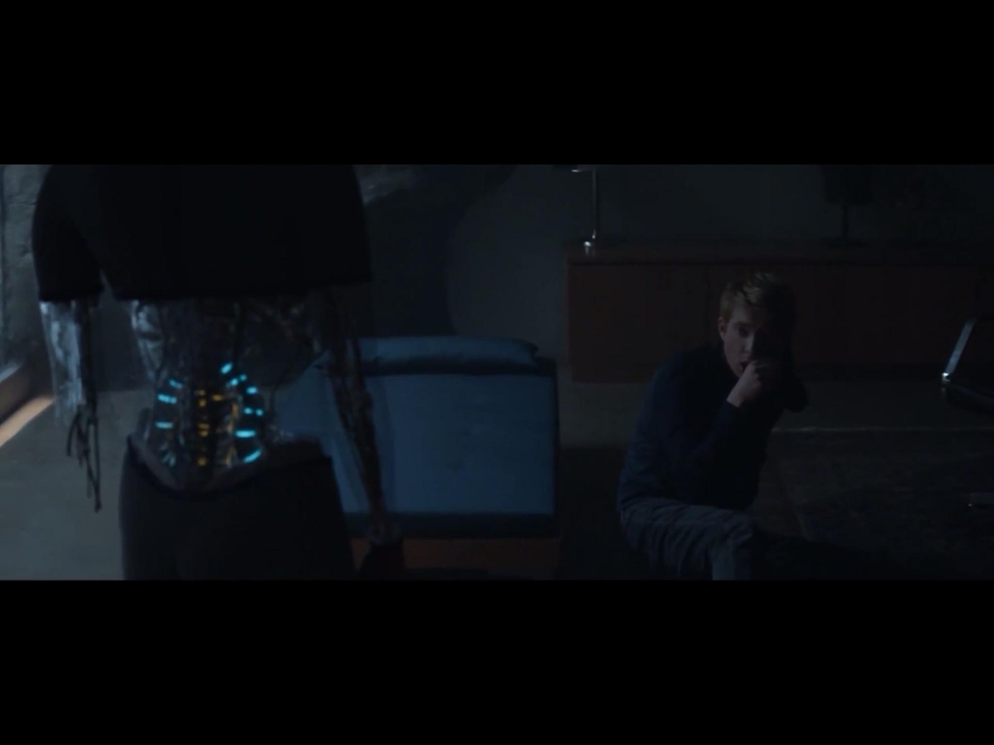 ex-machina-movie-screenshot-50.JPG