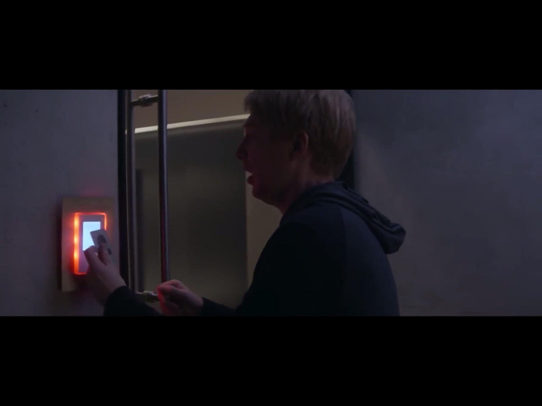 ex-machina-movie-screenshot-57.JPG