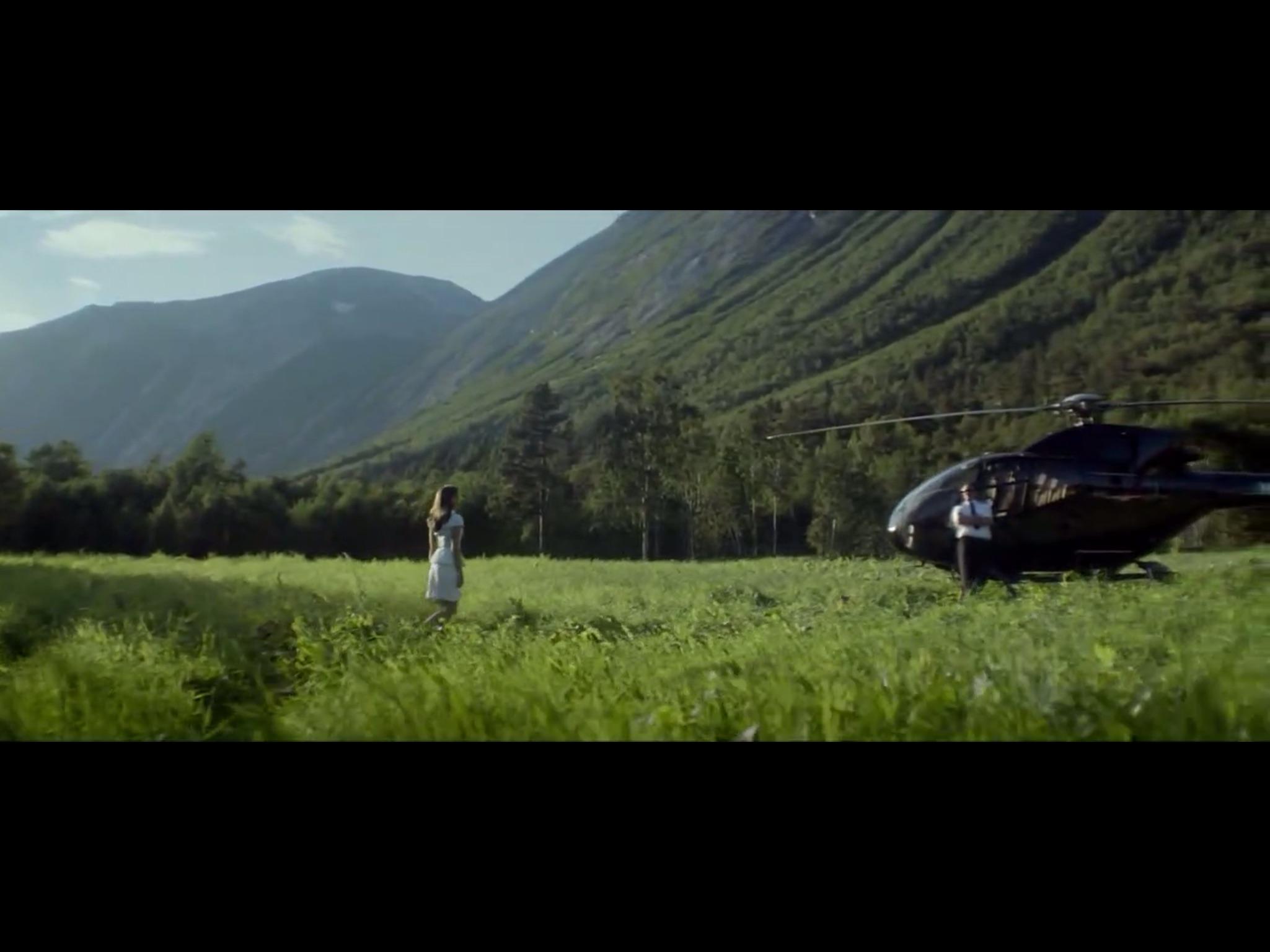 ex-machina-movie-screenshot-60.JPG