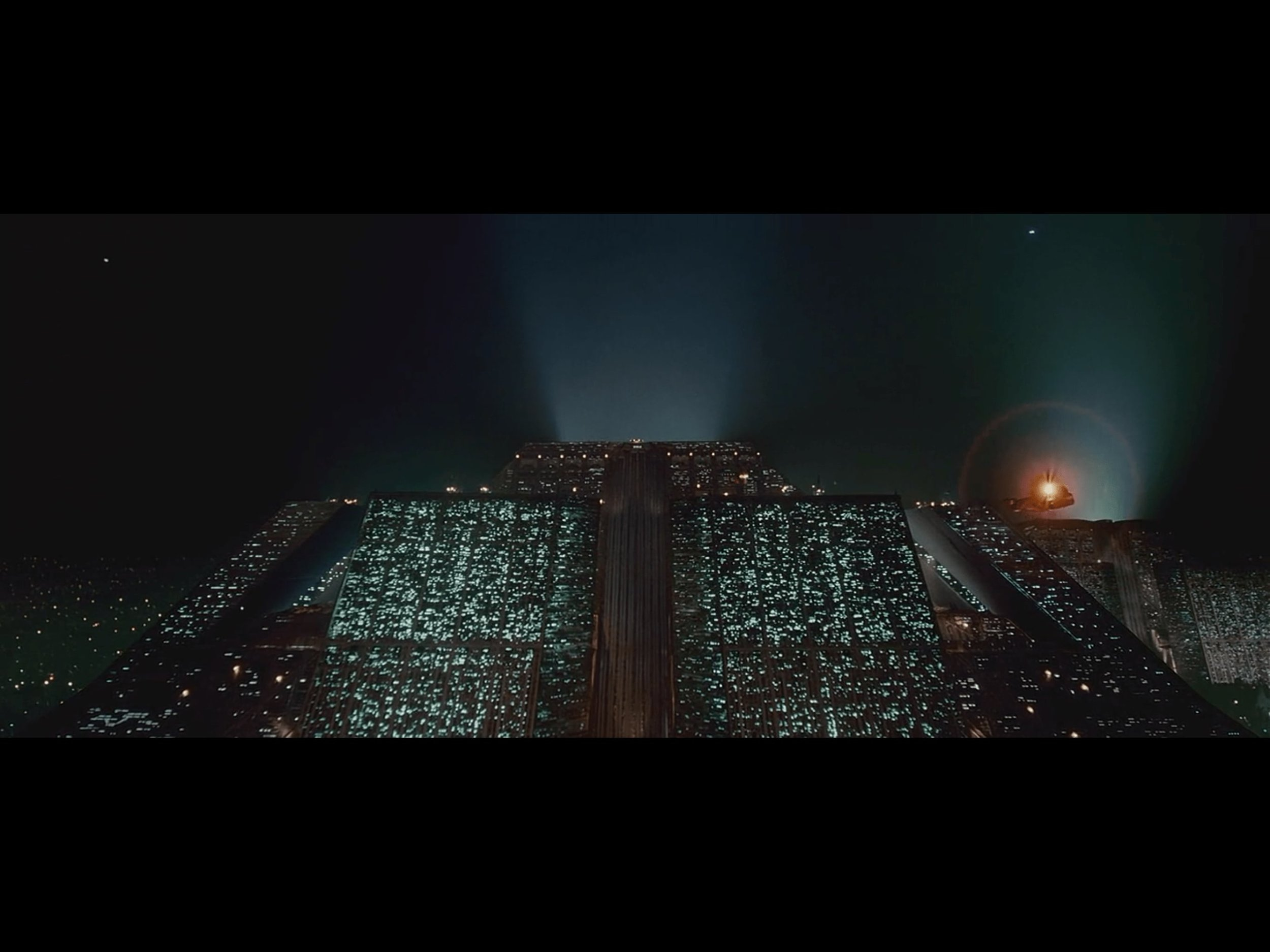 blade-runner-movie-1982-screenshot-2-min.jpg