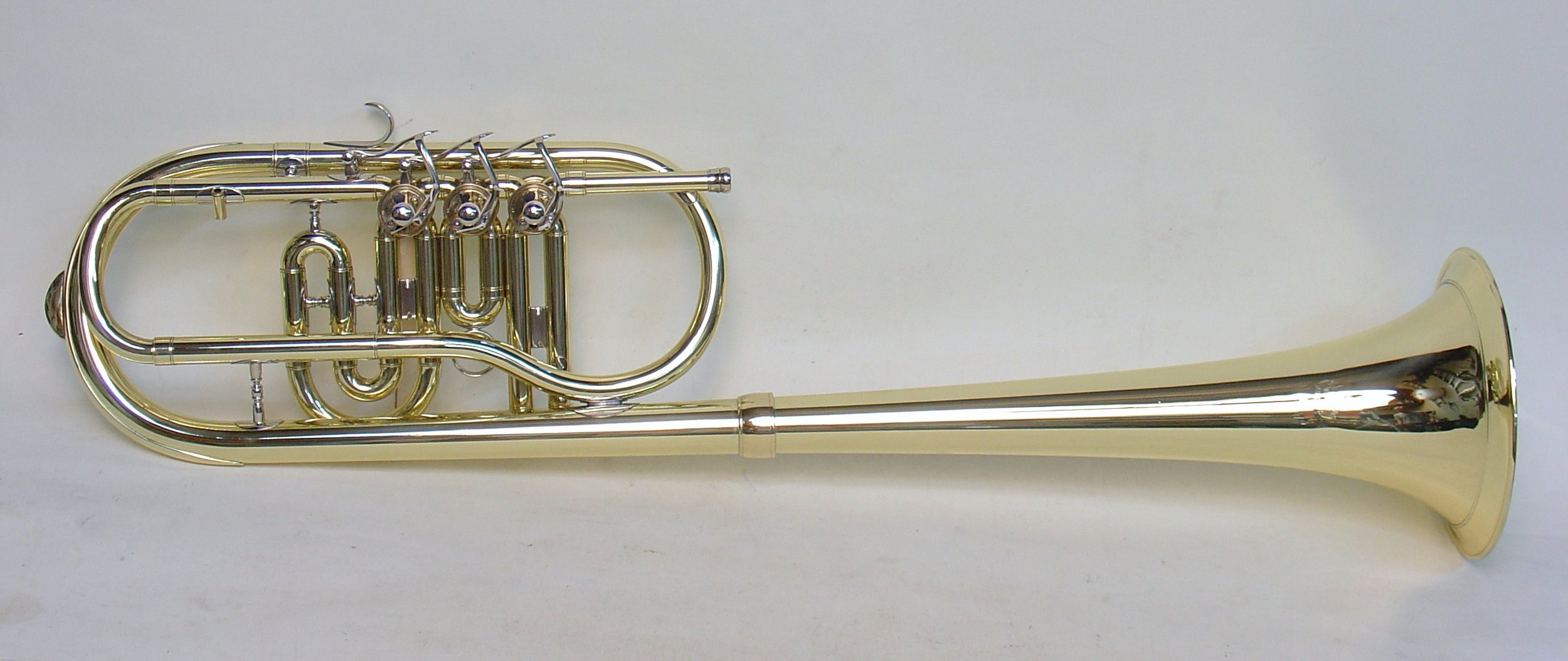 Eb alto with bell over the shoulder