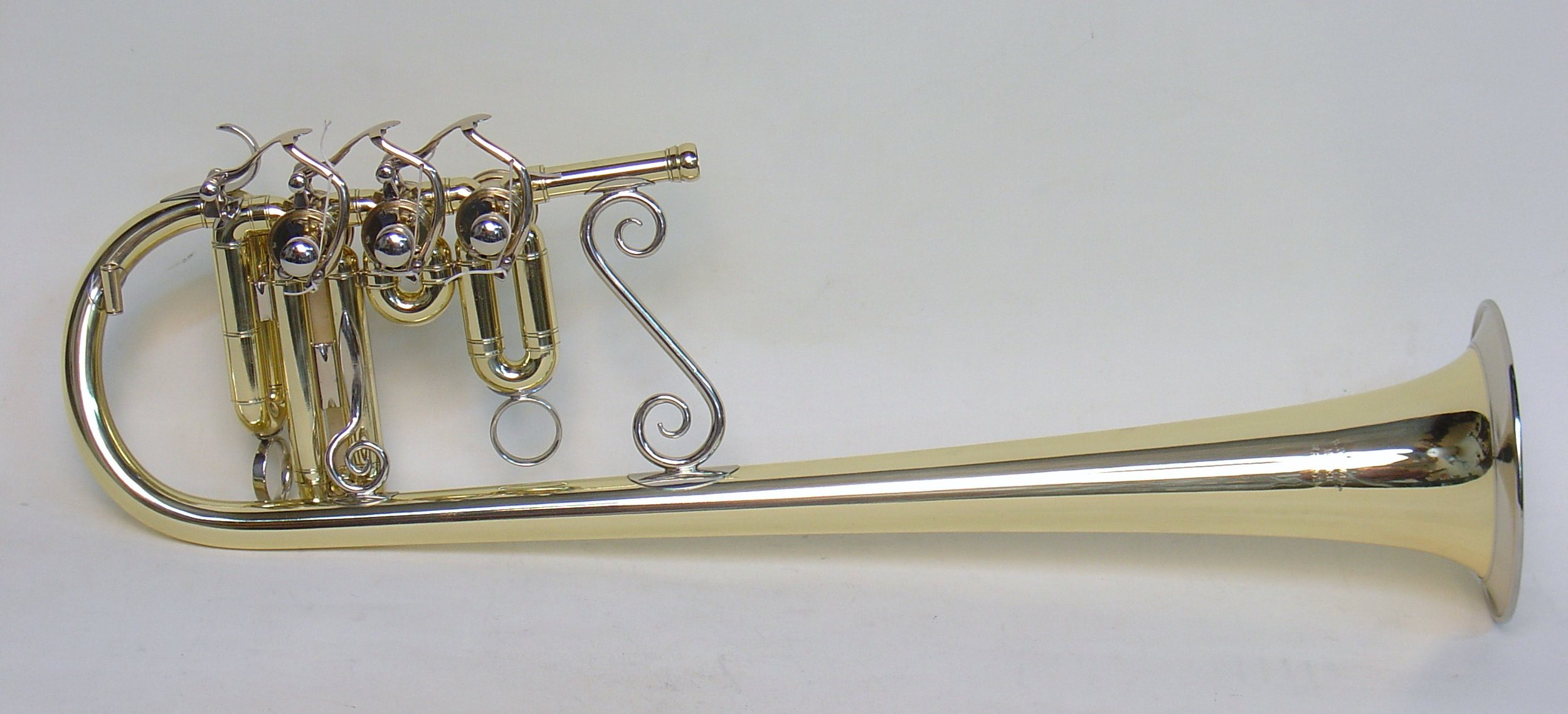 Eb soprano with bell over the shoulder