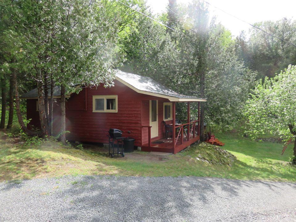 Cottage 7 Exterior.jpg