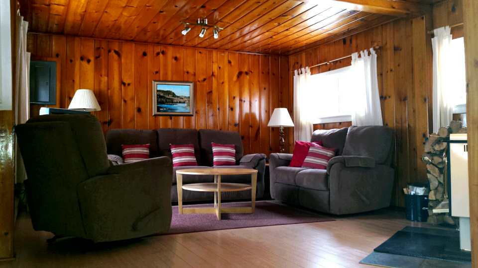 Cottage 6 Living Room.png