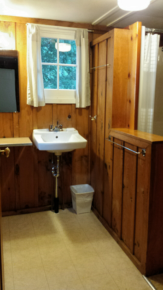 Loons Nest Washroom.png