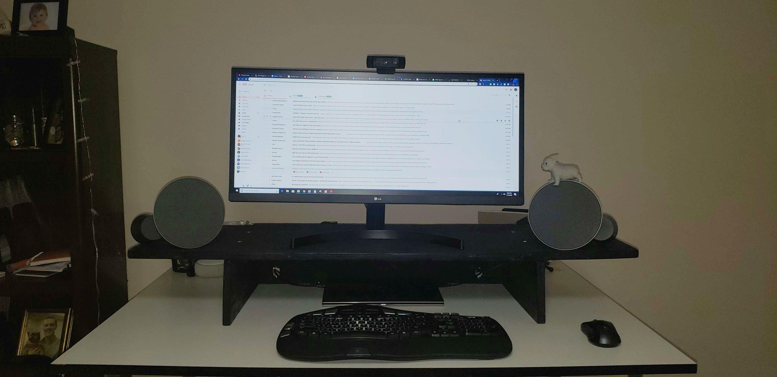 Standing desk topper