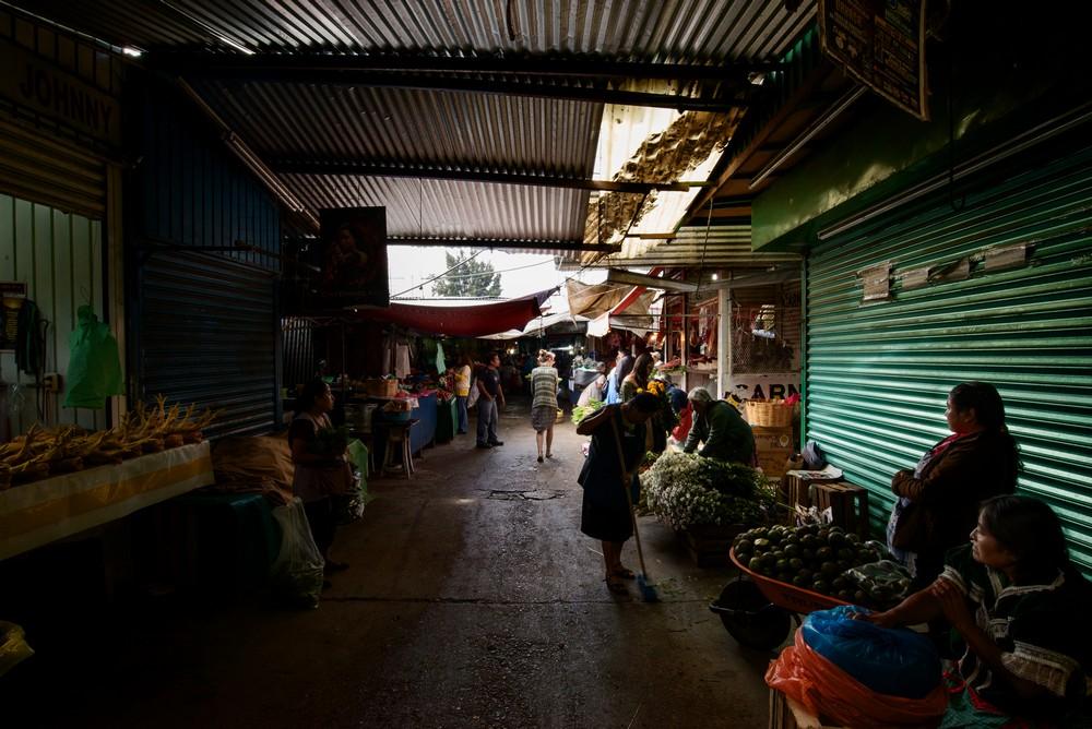05 Abestos Market_DSC3053_tn.jpg
