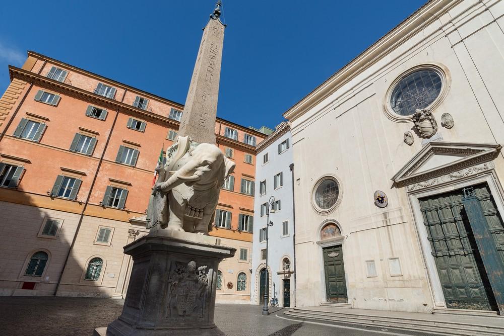 02 Piazza della Minerva_tn.jpg
