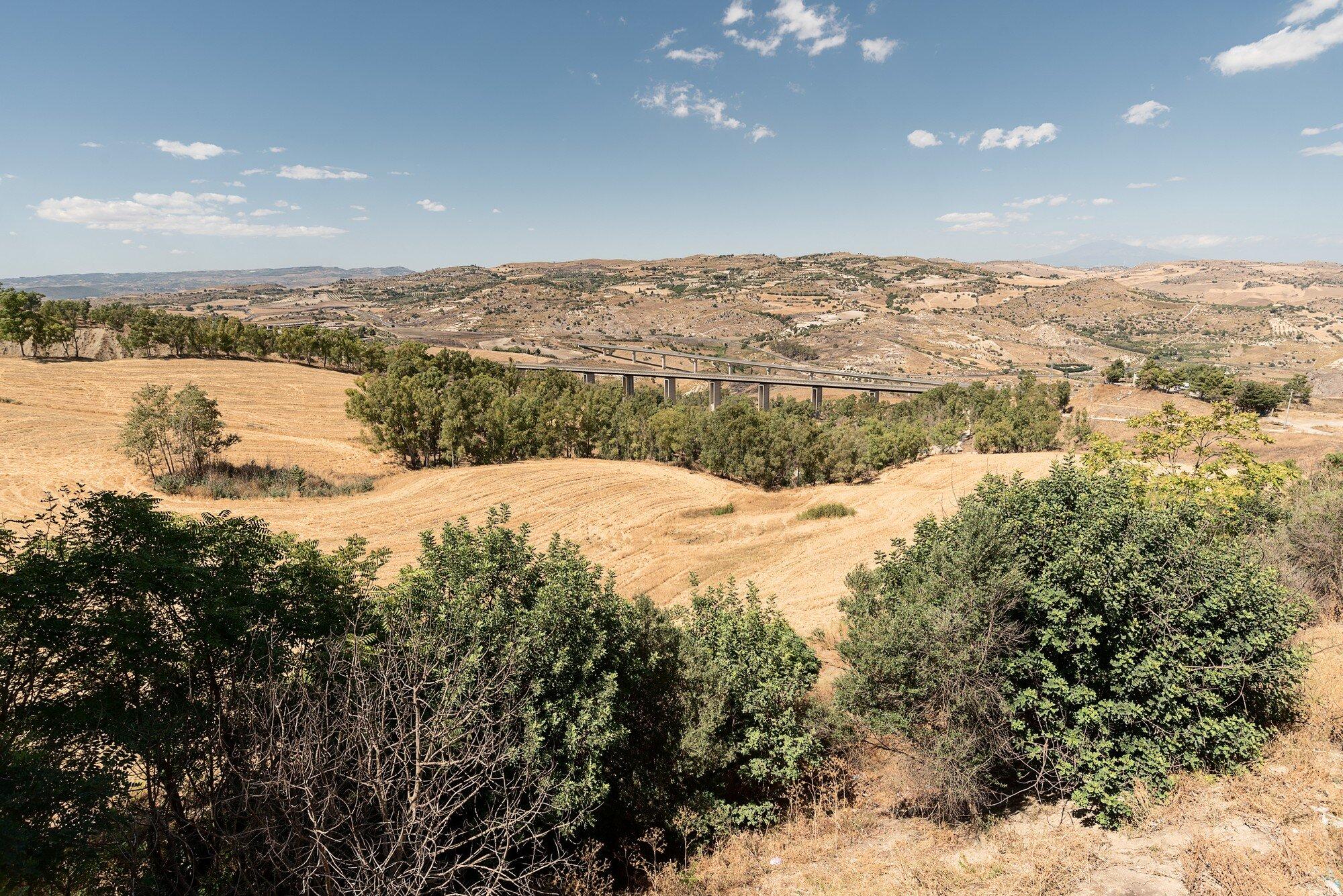 Paesaggio da Caltagirone.jpg