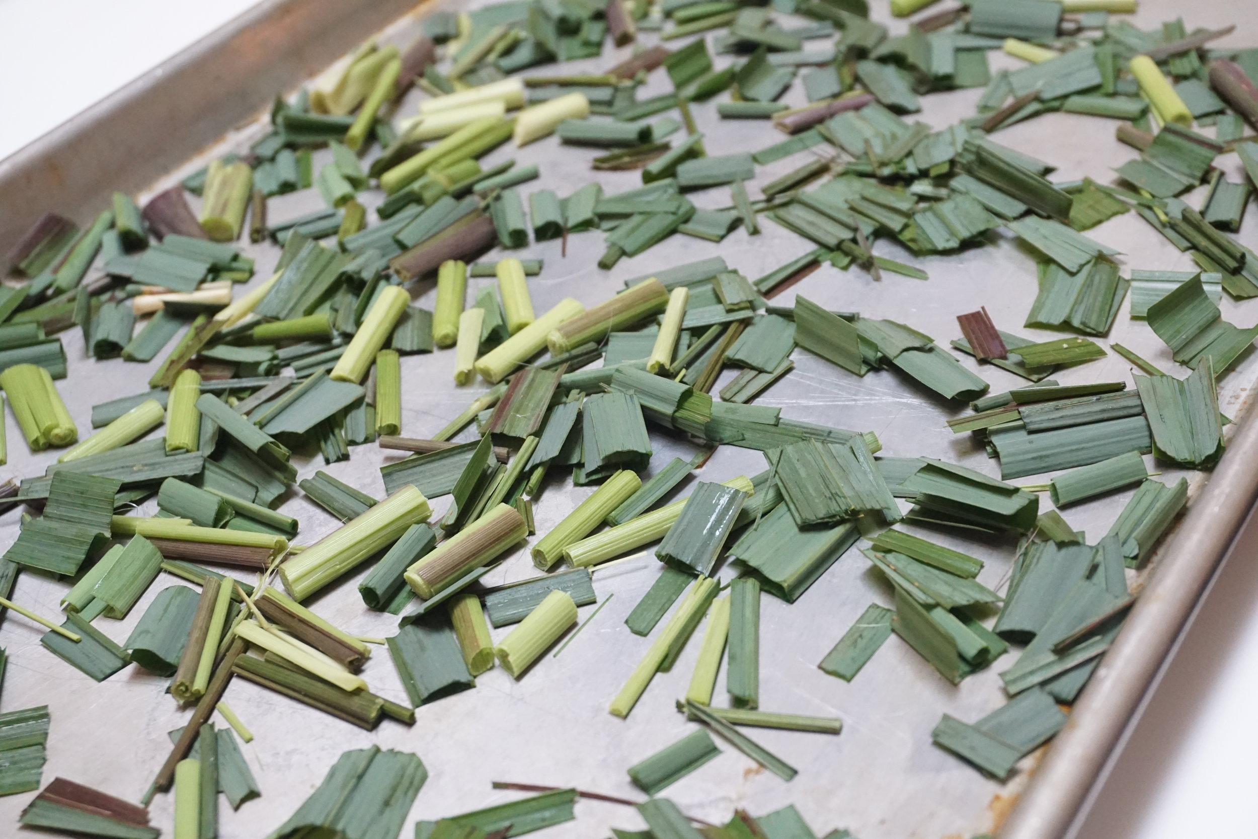 Fresh lemongrass leaves.