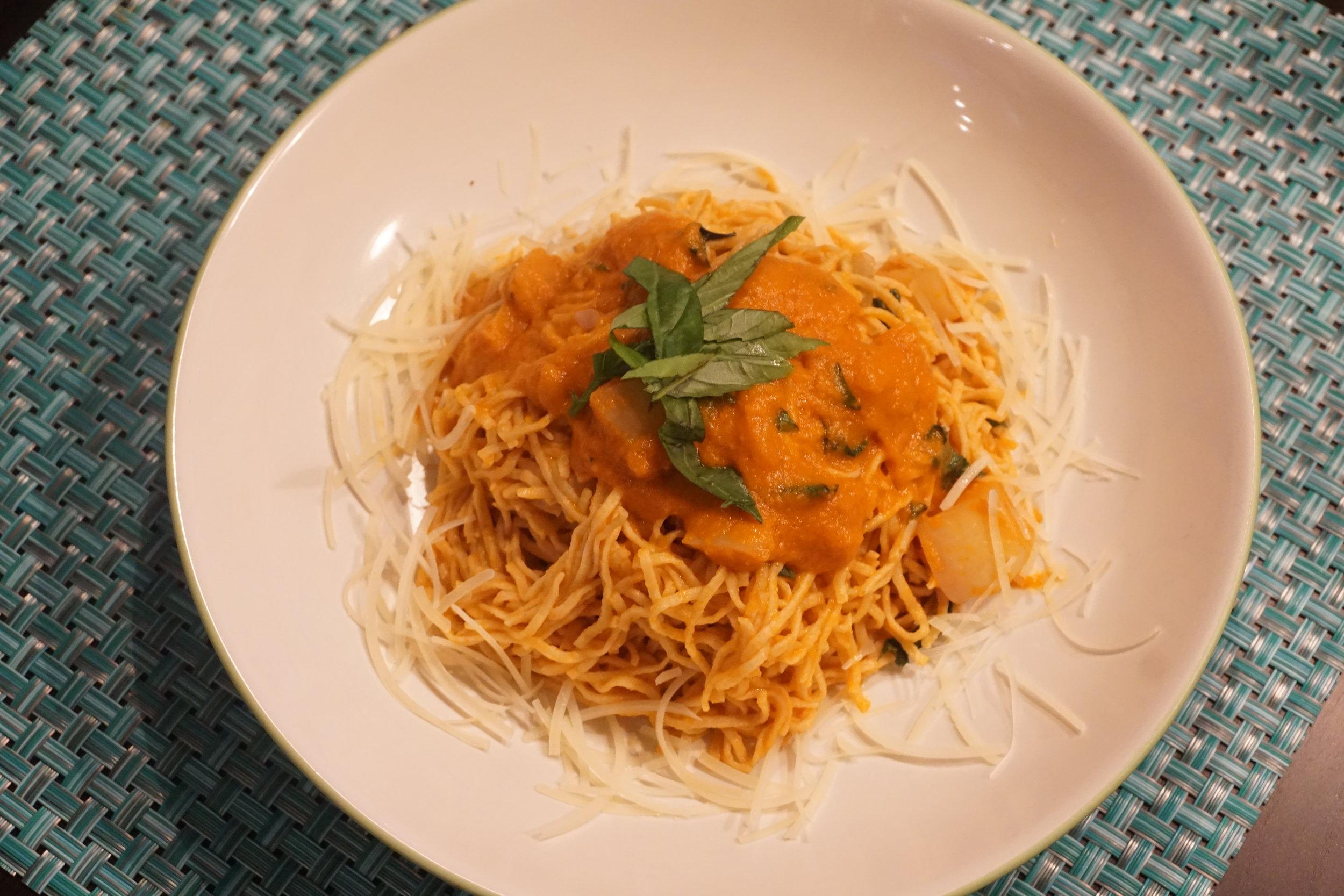 Tomato sauce with  fresh whole wheat & semolina pasta