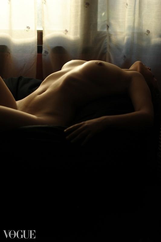 Thailand Nude Photographer Sophirat Muangkum for PhotoVogue by Vogue Italia - 02.jpg