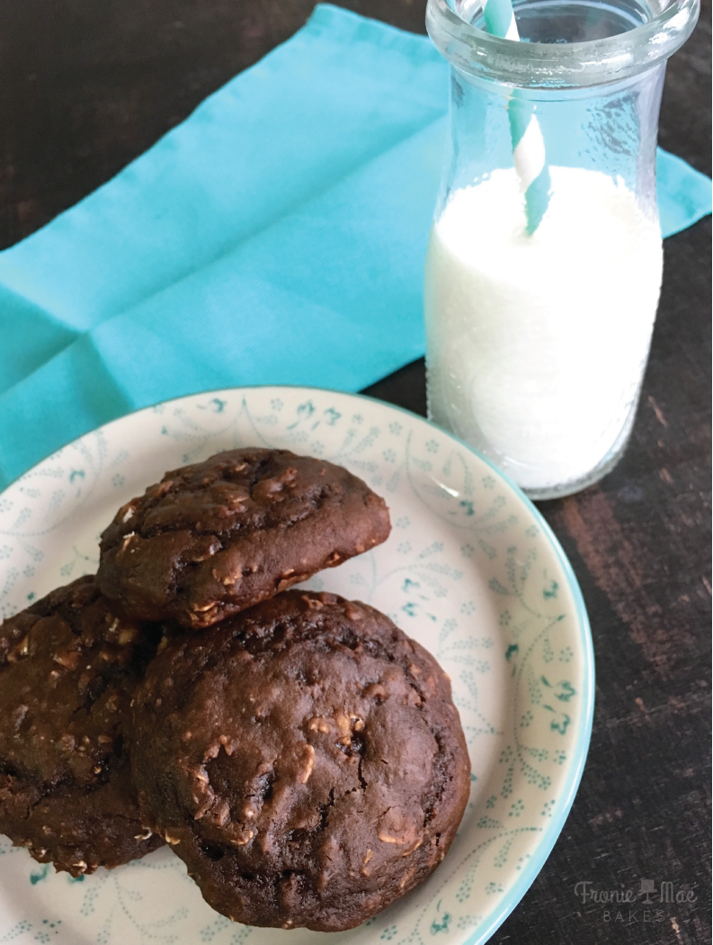 Chocolate Peanut Butter Breakfast Cookies by Fronie Mae Bakes. www.froniemaebakes.com