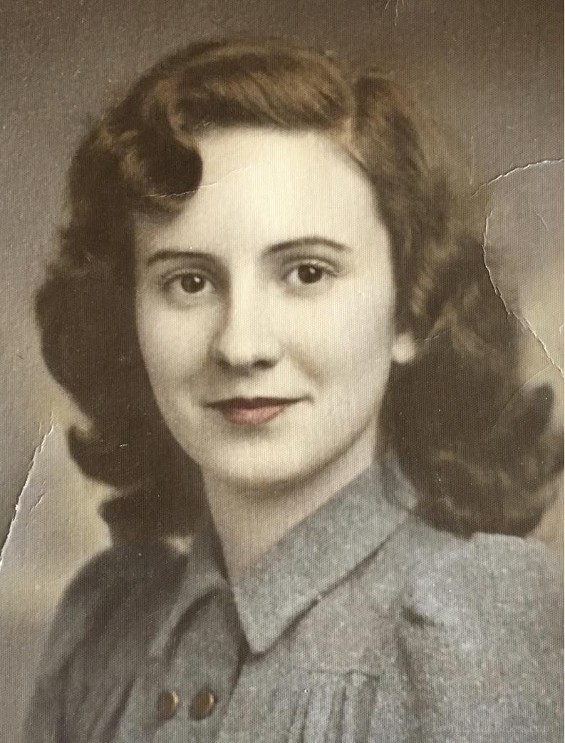 Happy 95th Grandma! Wanda Mae's Homemade Lemon Meringue Pie Recipe www.FronieMaeBakes.com