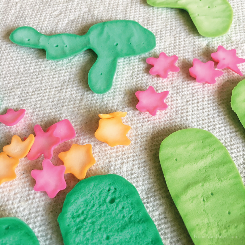 diy-cactus-royal-icing-decorations-homemade-fronie-mae-bakes-01.png