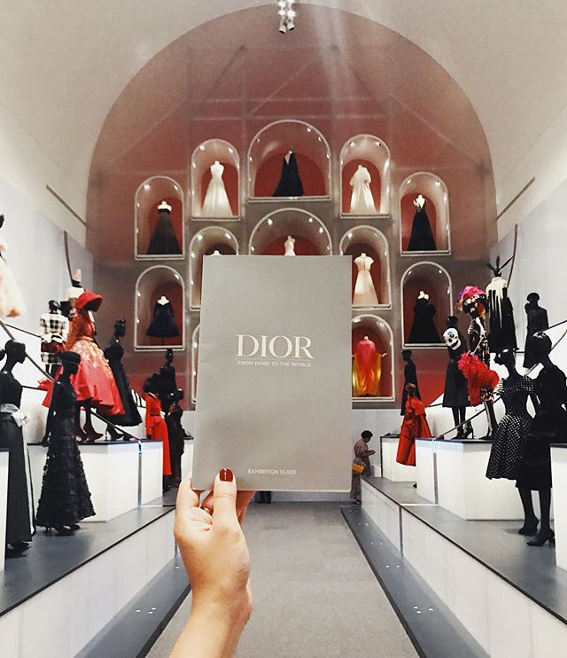 Back in town and back on the grind! 🙌🏽 Attended the #DiorinDallas press preview just now at the @dallasmuseumart and oh my gosh!!! It's literally a cathedral of fashion! The exhibit opens for public on May 19, tickets are $20 (weekdays) and $25 (weekends) 💃🏻
