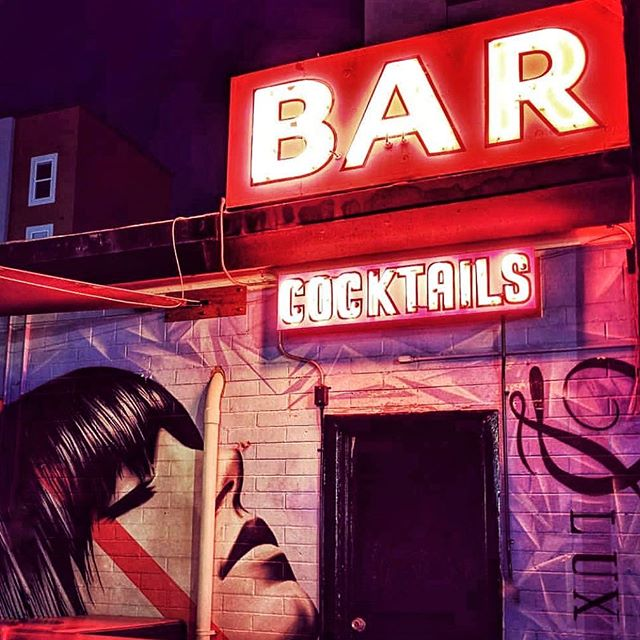 TFW when it's finally the weekend. . . .  #vegas #dtlv #draaaanks #cocktails #mixology #lasvegas #beer #beerstagram #beerlover #vintagevegas #bar #bars #mixology #cocktails