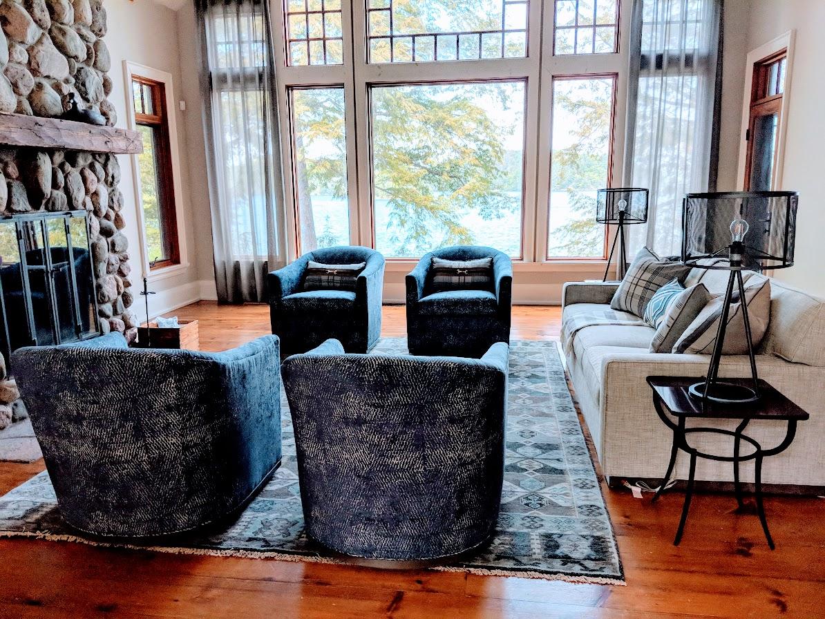 Jolana S Exceptional Home Decor