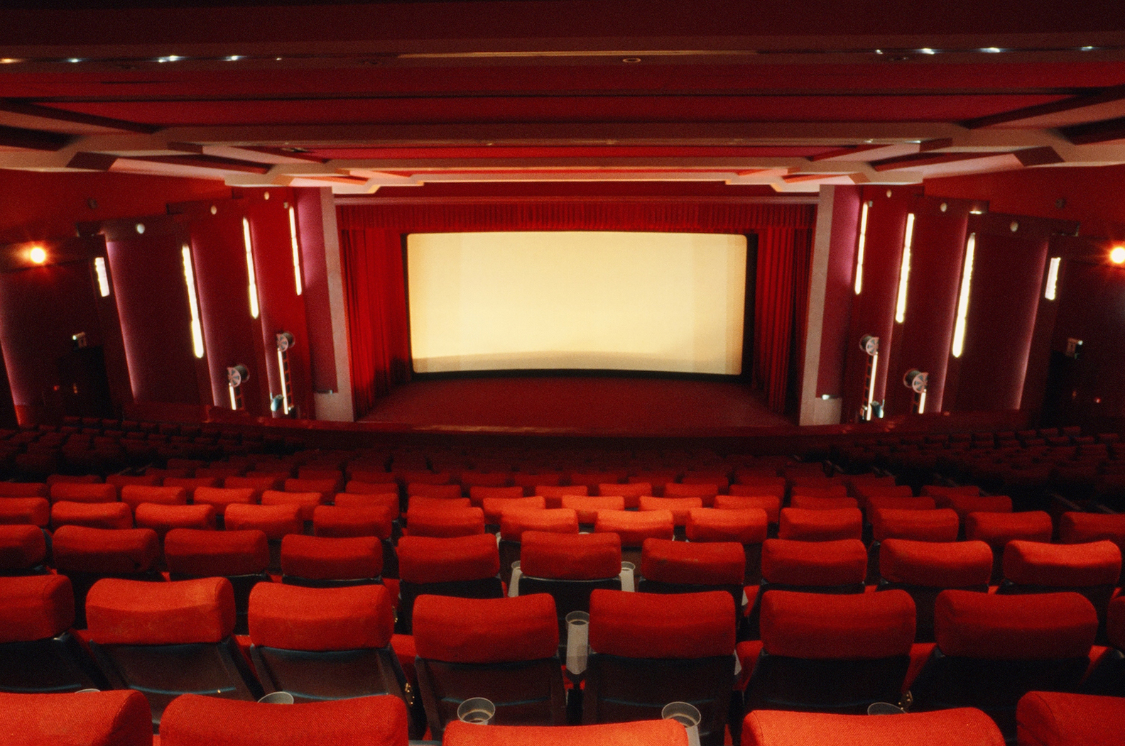 kerning-cultures-golden-cinema-11.jpg