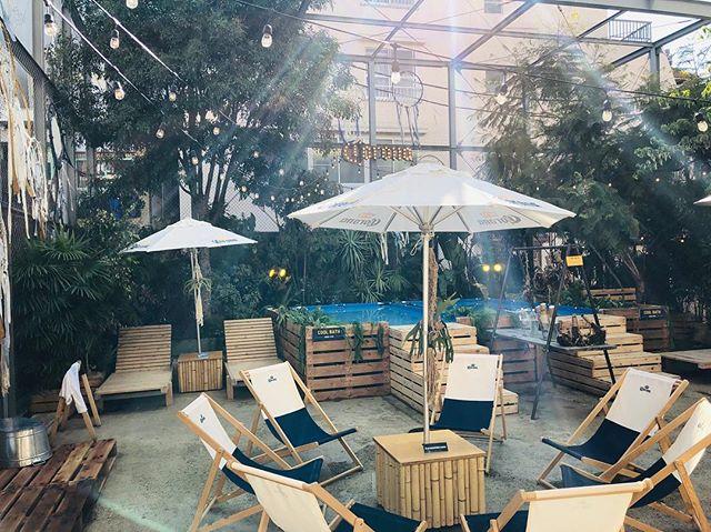 今日はスタッフ数名で コロナビールさんにご招待頂き coronaサウナ@下北沢に 行ってきました☺️👏 餃子の王将から始まり 笑 異空間な場所で本気のサウナ🧖♀️ ロウリュウもあり、皆んないっぱい汗かいてスッキリしてコロナ飲んで、楽しみました🤩 室内カフェもあって 居心地がよかったです☺️ 3月17日までやってます! 皆さま是非💁♀️ #corona#コロナ#サウナ#sauna#ロウリュウ#下北ゲージ#イベント#winter#beer#下北沢#王将#ハバナカフェ#六本木#スタッフ#シュール写真#楽しかった