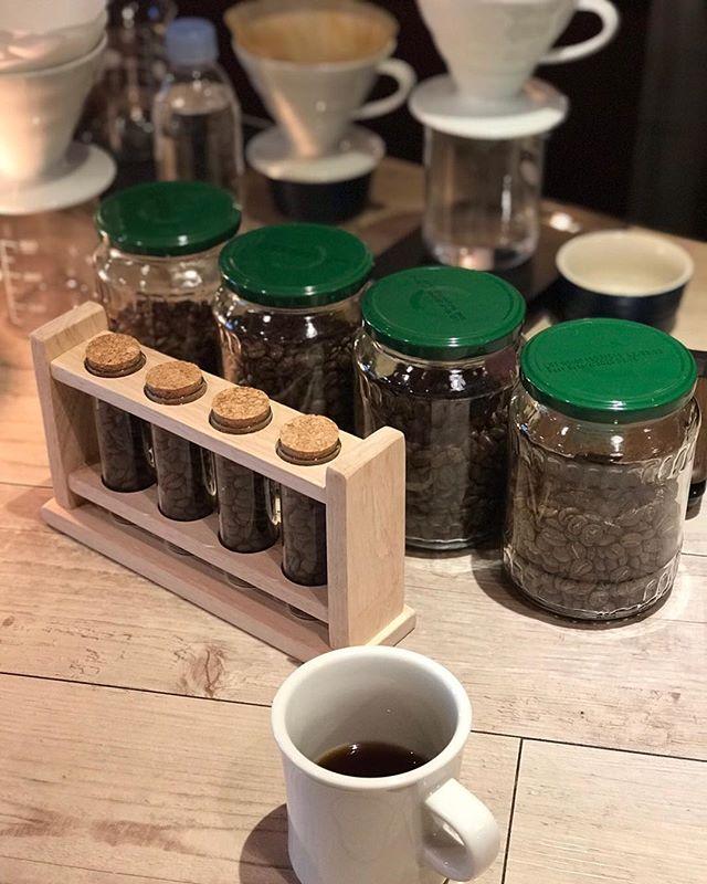 本日も19時まで 豆と音やってます☺️☕️ ホッと一息つきに来てください♫ #coffe#coffetime#cafe#music#コーヒー#はんどどりっぷ#カフェ#sunday#roppongi#六本木#havanacafe#ハバナカフェ