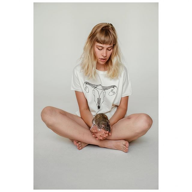 VULVORA.clothing new organic cotton collection #animalfriendly ☺️ 📷 @_adriana.adamovska 💁‍♀️ @jemnocit 🐀 Igor . . . . . . #freshbrand #organiccotton #biocotton #biobavlna #organicclothing #womenapparel #organictshirt #womenclothing #boldfashion #naturalfashion #localbrand #naturaltshirt #slowfashion #slowfashionlabel #sustainableclothing #designertshirt #localdesign #rat #fashionanimal #loverats #ovaries #aries #ram #femininepower