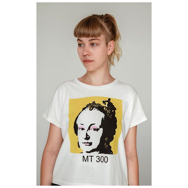 Maria Theresa #newfound #icon #thankyouandy for the imagery VULVORA TSHIRT ORGANIC COTTON COLLECTION 📸 @_adriana.adamovska model @jemnocit . . . . . #freshbrand #organiccotton #biocotton #biobavlna #organicclothing #womenapparel #organictshirt #womenclothing #boldfashion #naturalfashion #localbrand #naturaltshirt #slowfashion #slowfashionlabel #sustainableclothing #designertshirt #localdesign #marietheresa #iconic #popart #historicalicon #celebratewomen #strongwoman #sherocks #belikemarilyn